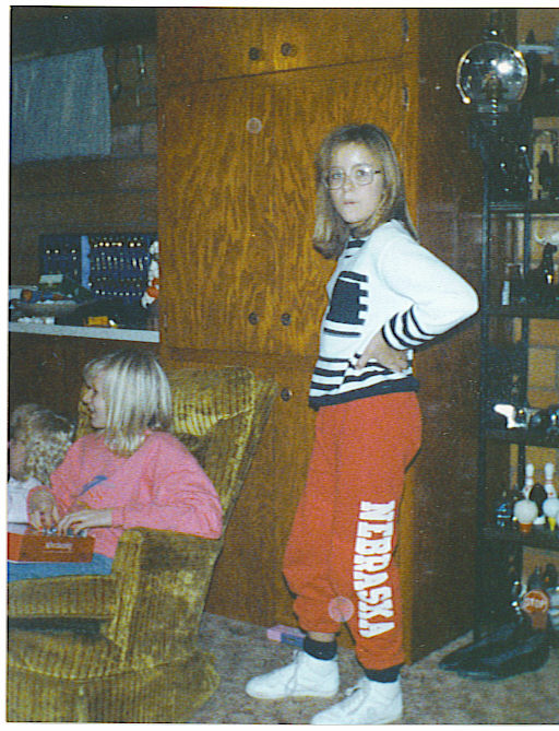 lori in ne sweats xmas 1990